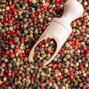 Økologisk spegepølse med peberkorn